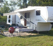 RV For rent. 2 slide-outs. 2 Bedrooms. We deliver and set up 1